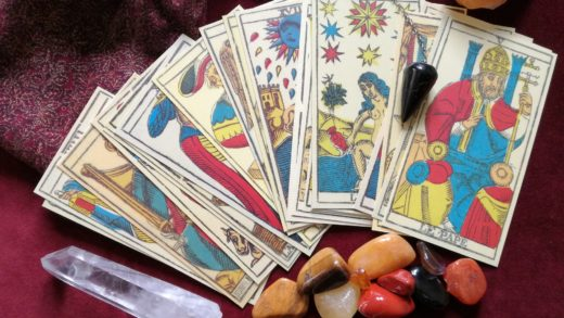 How to Become a Successful Phone Psychic Operator and Work for Yourself